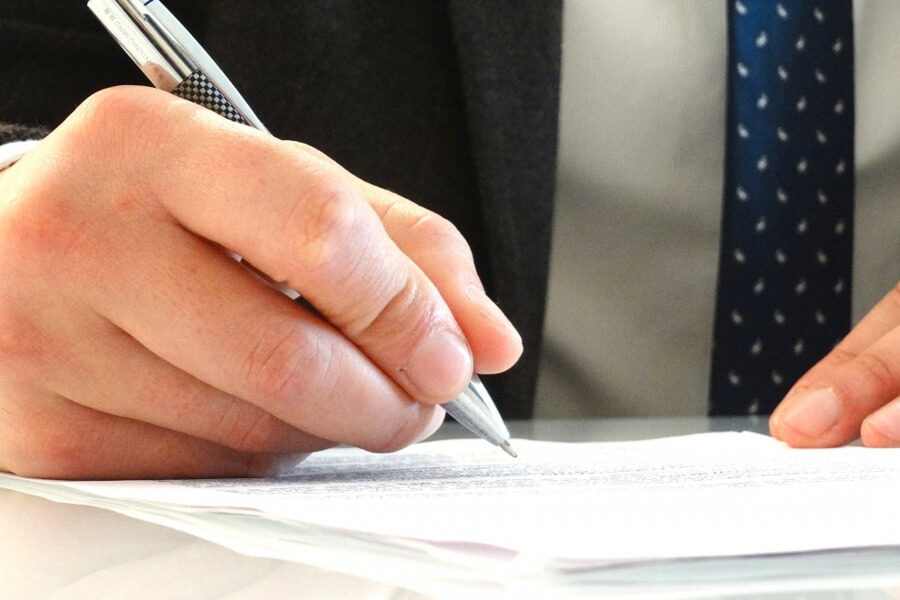 外国人が入社する際に必要な書類