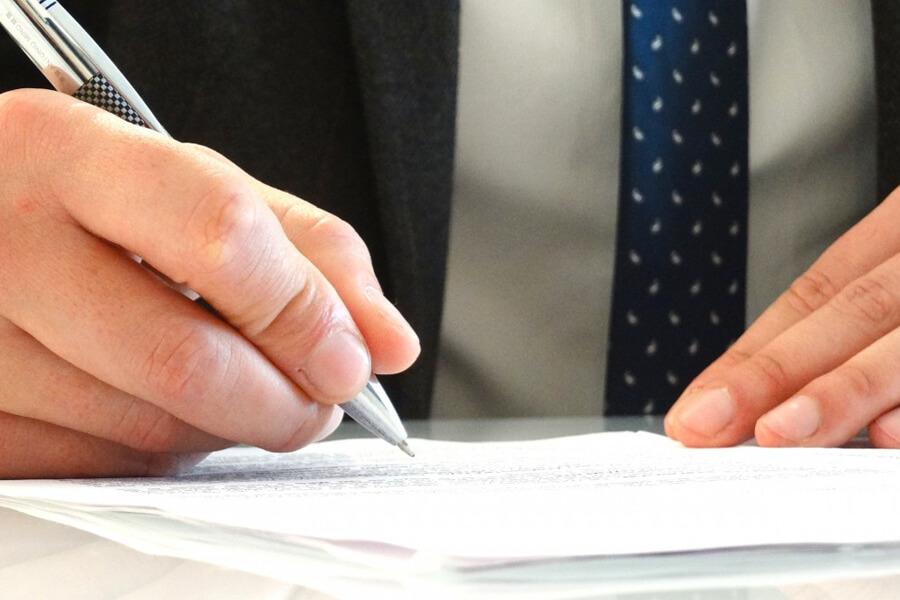 行政機関へ申請 - 外国人を雇用するための手続き・フロー
